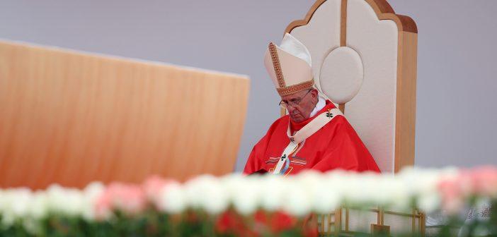 Les non-excuses du pape François : quand le silence fait mal