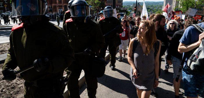 Manifestations anti-G7 : l'approche bazooka